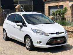 Ford Fiesta 1.6 TDCi Sound Connection Plus ECOnetic /// ///