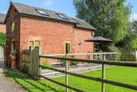 Chequer Stable sleeping up to 3 guests