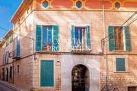 Link-detached house for sale in 3025, Soller, Spain